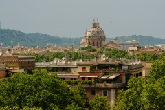 A-rooftop-view-over-Rome