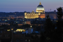 Nightime-view-of-The-Vatican-Rome