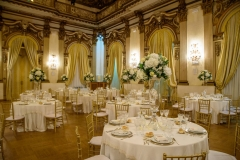 Wedding-table-set-up-in-a-villa-in-Rome